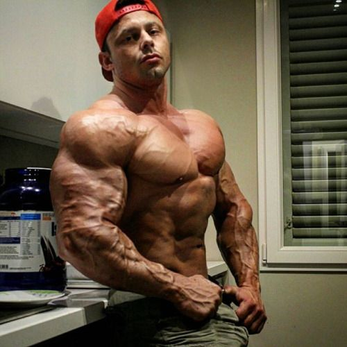 bodybuilder slow bare