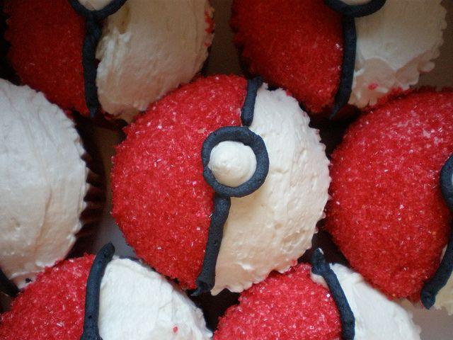 Pokeball Cupcakes With Images Pokeball Cupcakes Pokemon