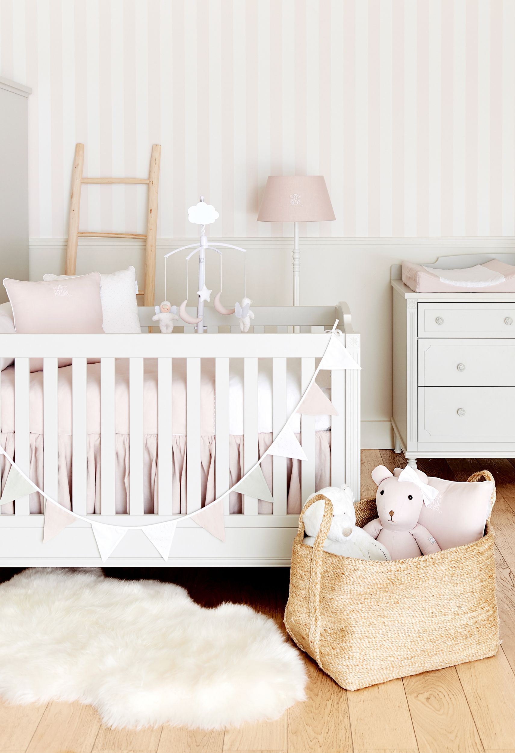 Babyroom Inspiration Come To Discover Our New Decor In Stores Avenue Louise 132a 1050 Brussels Theophile Et Patachou Decoration Chambre Bebe Meuble Bebe