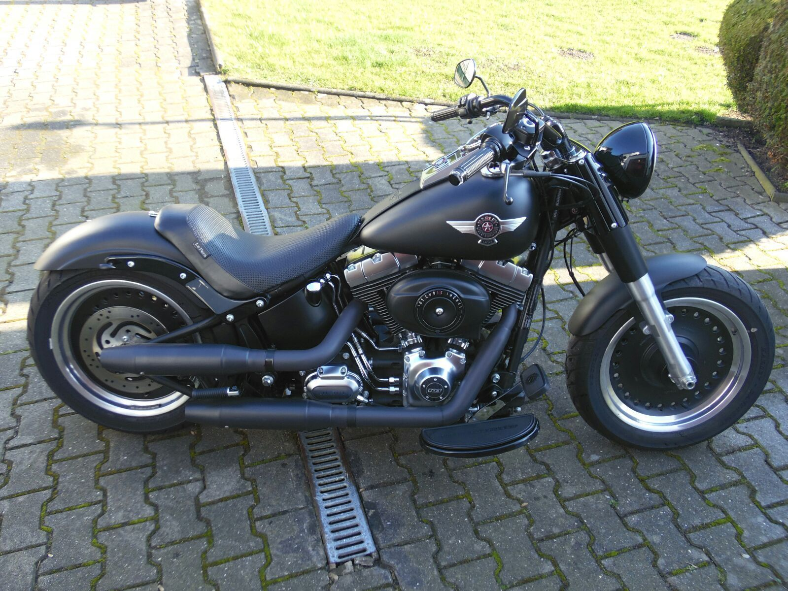 harley davidson fat boy special umbau kesste deutsches. Black Bedroom Furniture Sets. Home Design Ideas