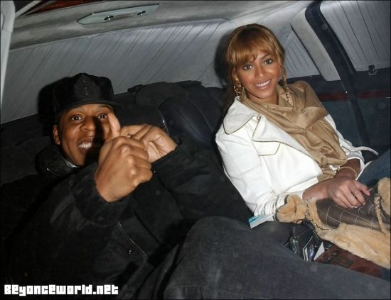 Jay Z and Beyoncé Leaving 40/40 club - January 15 2005
