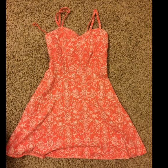 Aeropostale Dress Cute flowy Spring dress. Has a very cute back. Never worn. So great condition. I waited to long to wear it and now it doesn't fit Forever 21 Dresses Midi