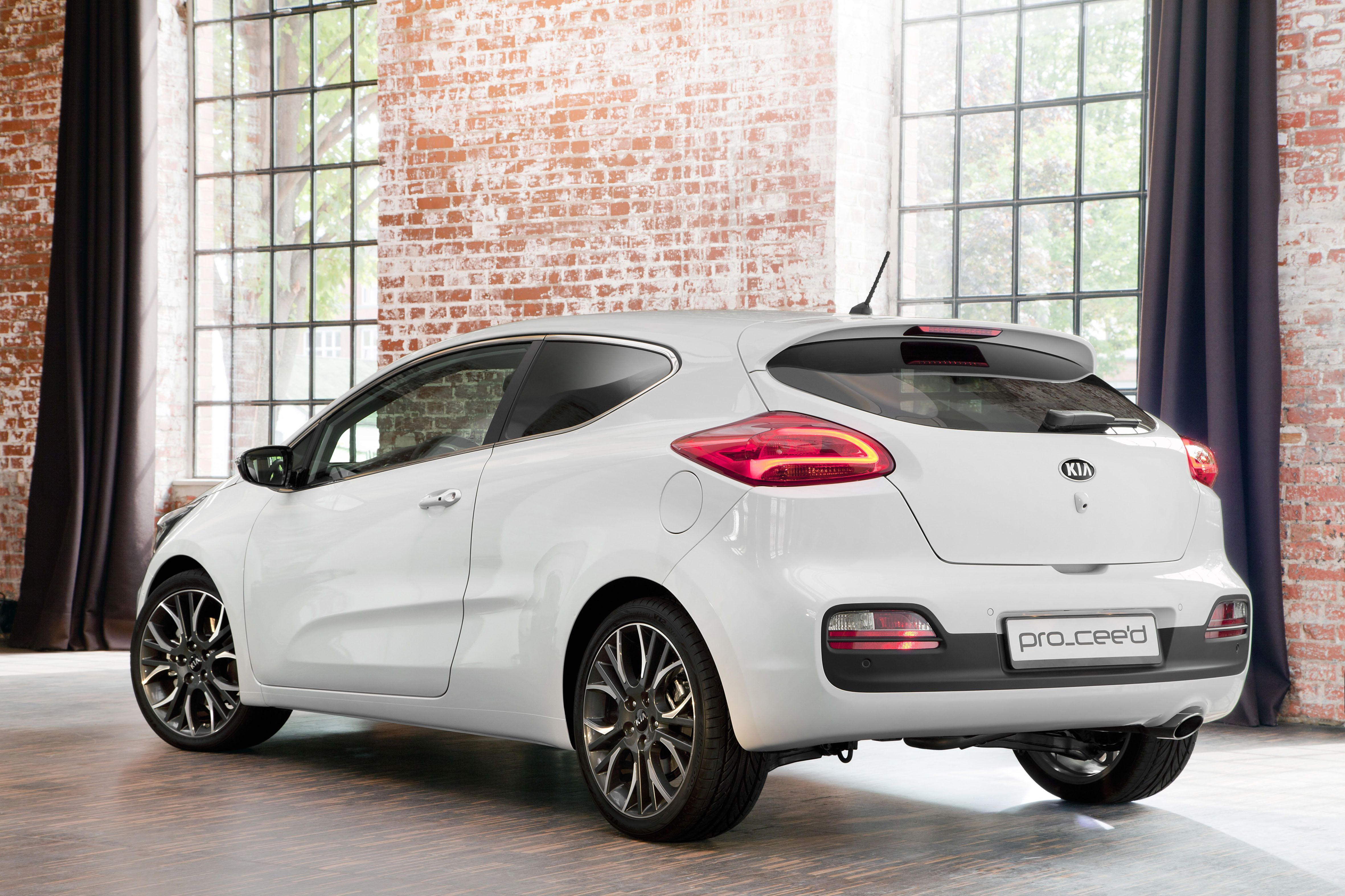 body trains the review japans cars family kia lawn parked hyundai enlarge s car chassis autos one tanks e niro drive and korean on ioniq japan three