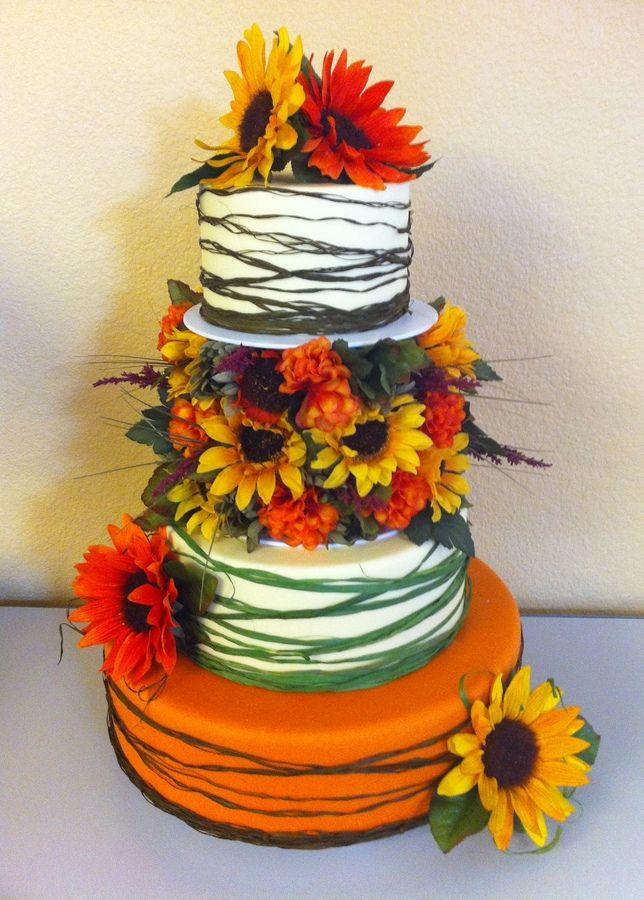 Country Sunflower Cake Round wedding cakes, Sunflower