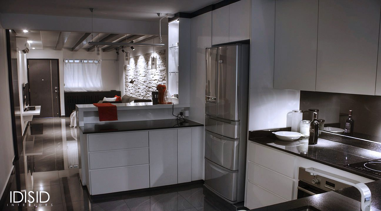 Kitchen Of A Small 2 Bed Room Apartment In Singapore By Idisid Www