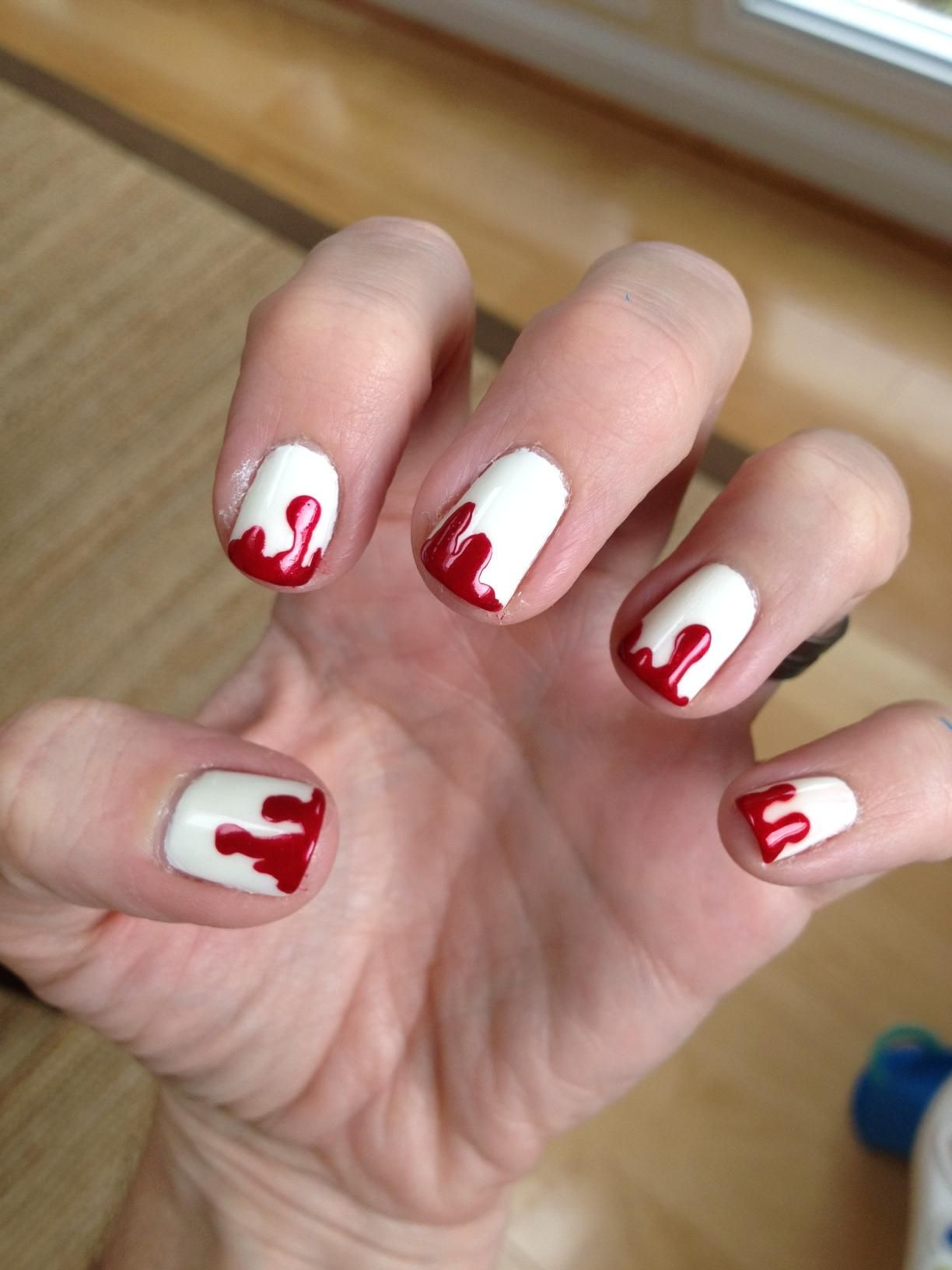 25 Bone-Chilling Examples of Halloween Nail Art ...