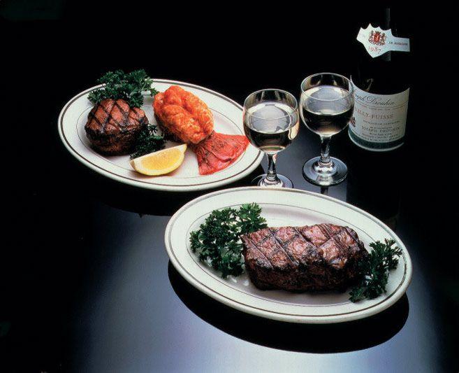 Dinner at Broadway Joe! #steak #wine #restaurantrow #nycrestaurants #eat #drink #food #fancy #dinner #broadwayjoe #photography #picture
