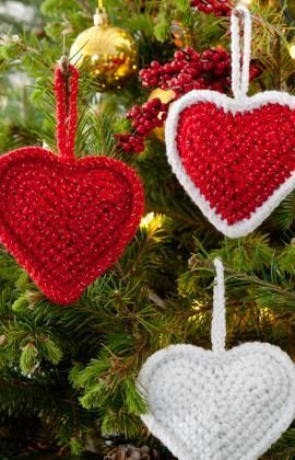 Christmas Heart Decoration.Christmas Love Hearts Free Crochet Pattern From Red Heart