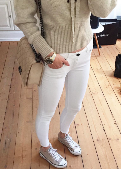 instagram style lena terlutter lena terlutter beige sweater x white skinny jeans x beige. Black Bedroom Furniture Sets. Home Design Ideas