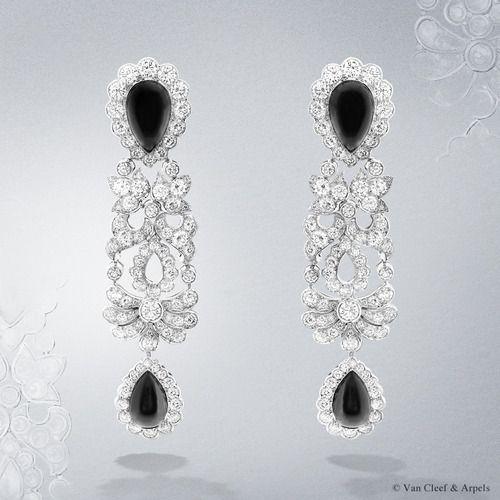 Van Cleef & Arpels Crépuscule d'Orient earrings, Pierres de Caractère Variations collection. White gold, round diamonds, cabochon-cut onyx.