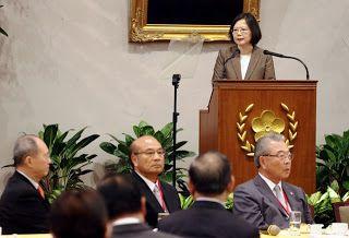 Revista El Cañero: Presidenta Tsai dialoga con empresarios