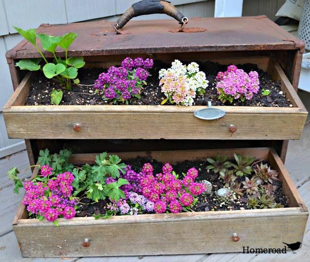 Junk in the Garden www.homeroad.net