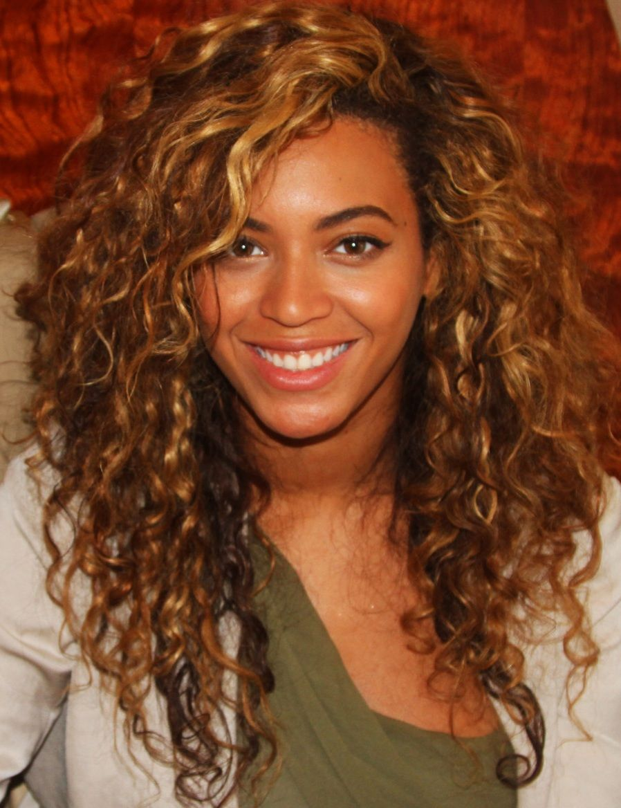 beyonce curly haircut. i wonder if my fine textured hair