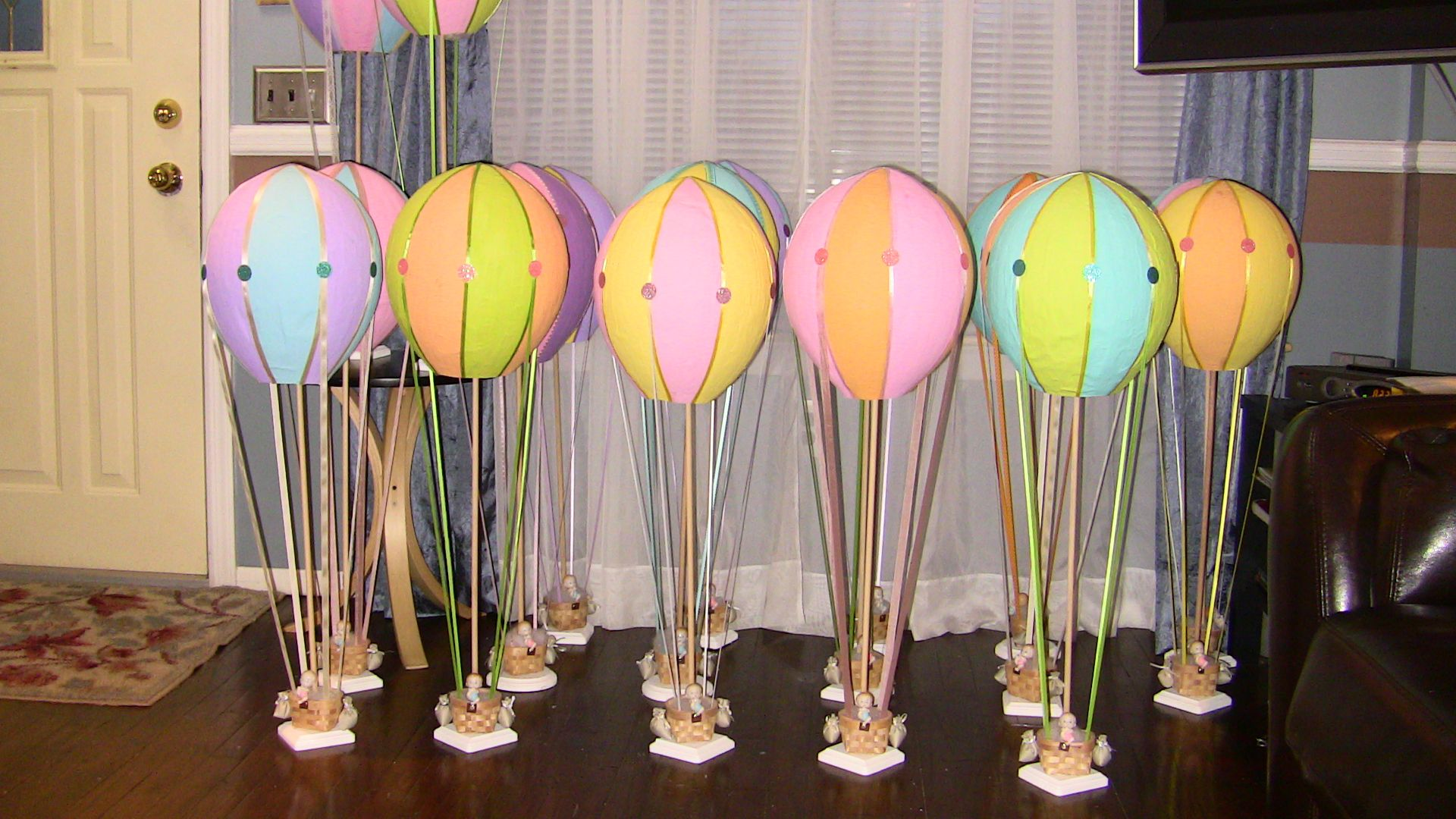 Baby shower hot air balloons centerpieces my