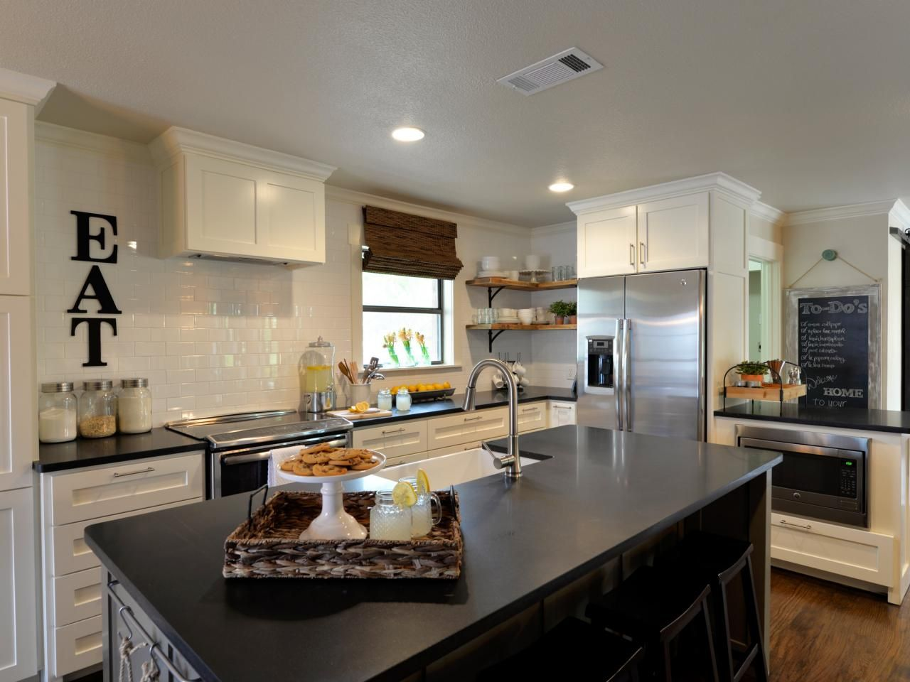 Kitchen Table Design Decorating Ideas Hgtv Pictures: Open Concept: Boxy To Beautiful Bungalow
