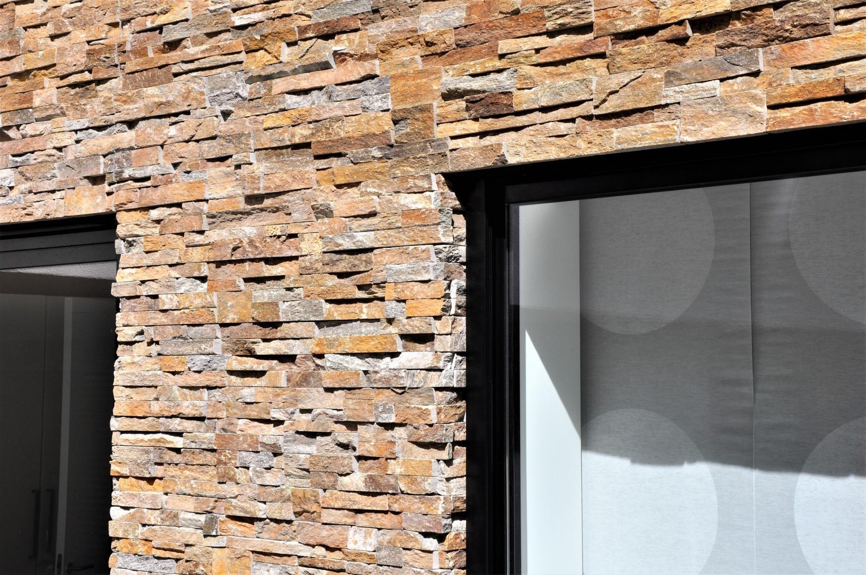 Steenstrips Baksteen Buiten : Steenstrips puur natuursteen binnen en buiten brons rustiek