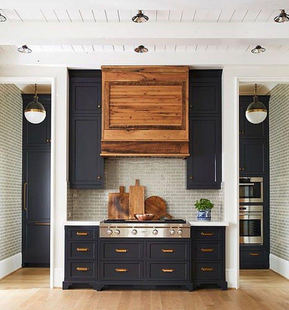 Beautiful Farmhouse Kitchen Art Ideas To Scale Up Your Kitchen 03 In 2020 Trendy Kitchen Backsplash Kitchen Design Color Kitchen Remodel