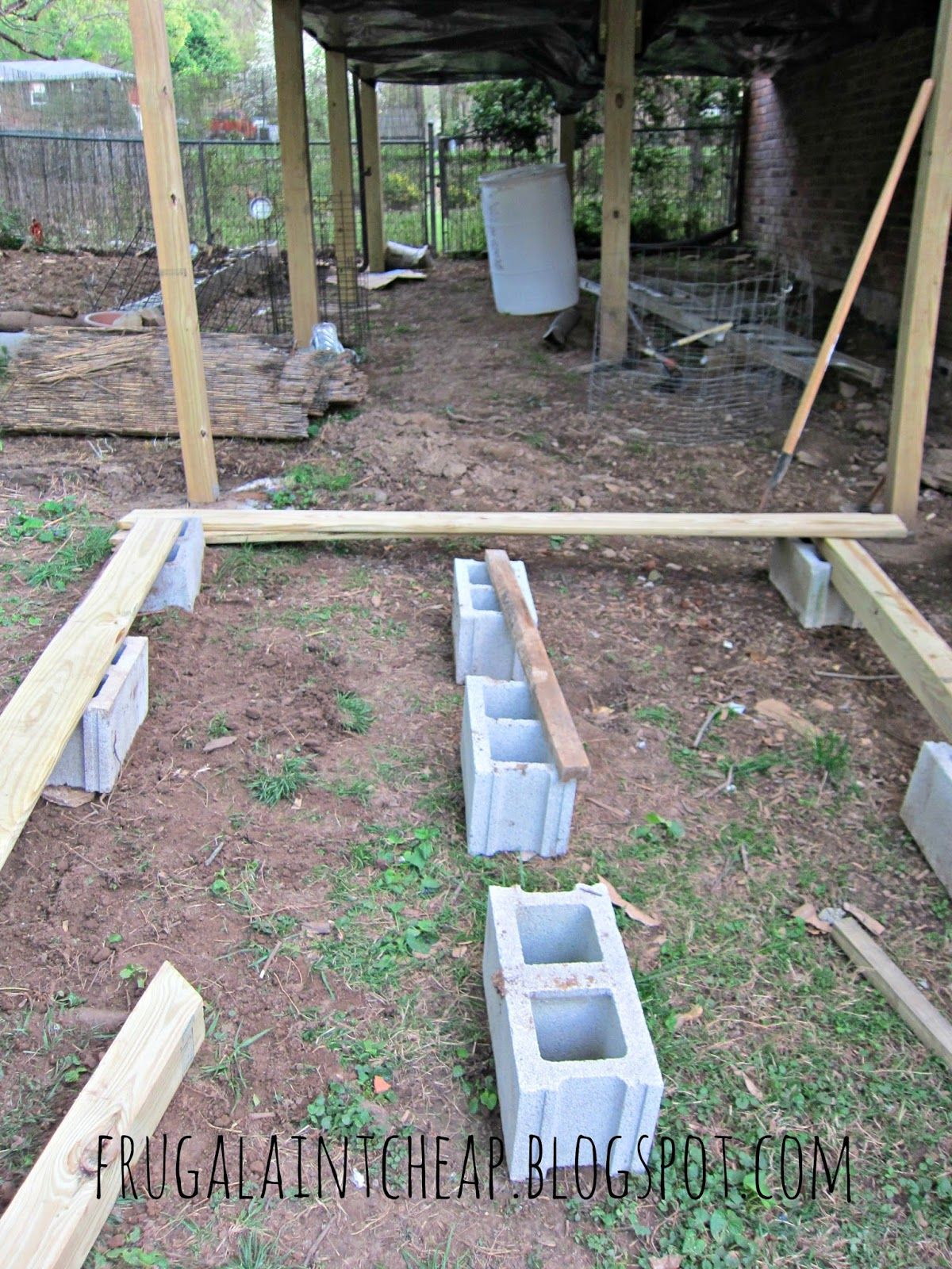 Frugal ain 39 t cheap diy floating deck back yard for Simple floating deck plans