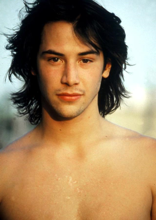 Keanu Reeves Anytime But With Long Hairoh My Long Hairstyles Keanu Reeves Long Hair Styles Keanu Reeves Young