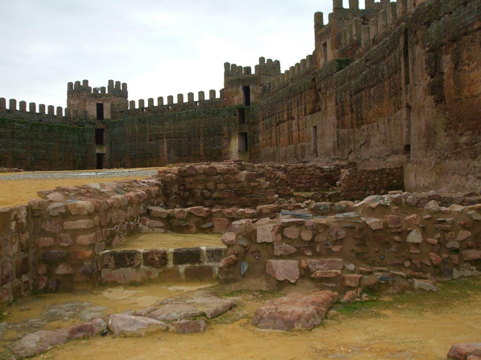 Castillo Precioso De Banos De La Encina Jaen Viajes