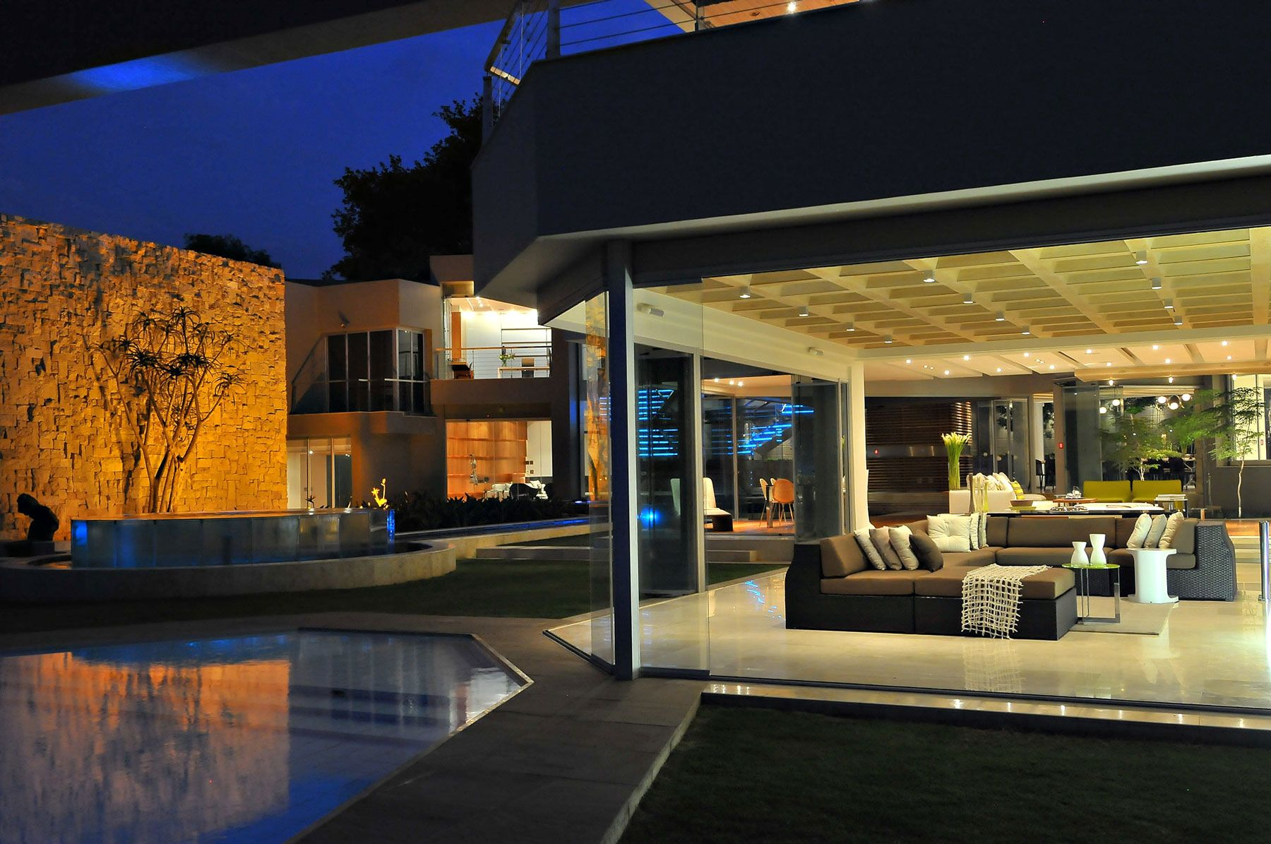 ^ 1000+ images about Glass House by Nico Van Der Meulen rchitects ...