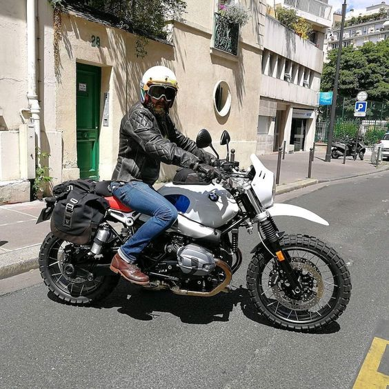 Direction Le Wheels And Waves En Bmw R Ninet Urban Gs Chazster