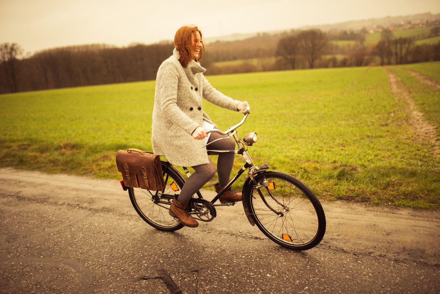"""Mit """"Marc"""" hast du die ideale Mischung aus Bürotasche und Fahrradtasche gefunden. Mit dem einfahcen KLICKfix-System lässt sich die Tasche bequem und schnell am Fahrrad befestigen. - Ledertasche - Echtleder - Gusti Leder - 2B25-20-5wp+"""