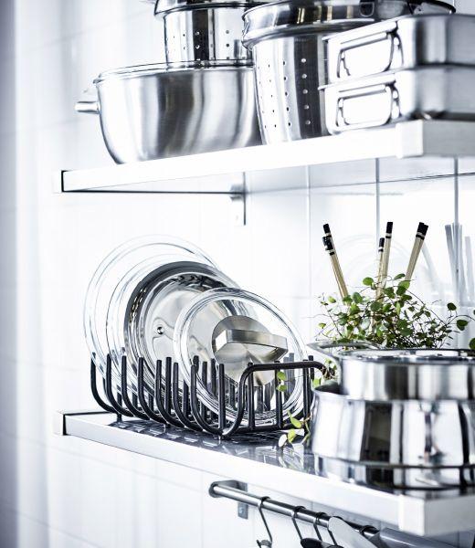 Küchenregale, ausgestattet mit Töpfen, Pfannen und BOHOLMEN - küchen regale ikea