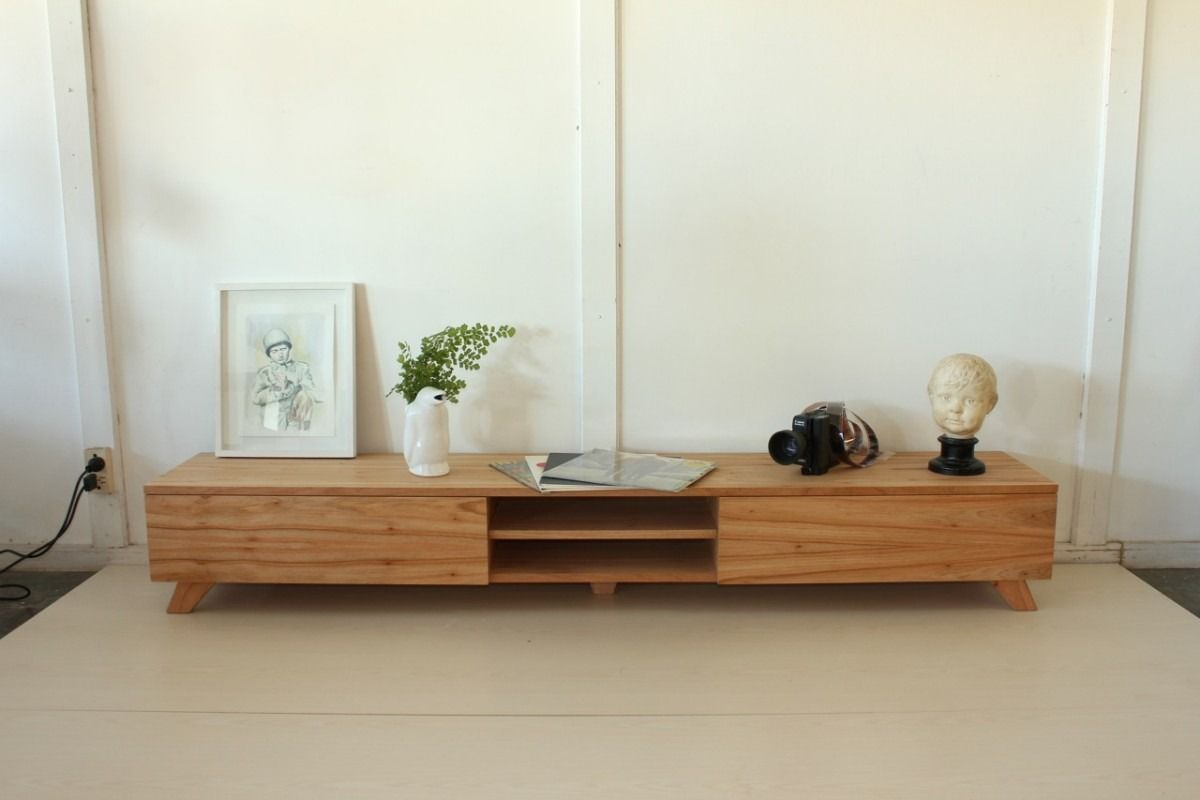 Consola para tv dise o escandinavo madera paraiso for Diseno de muebles de madera
