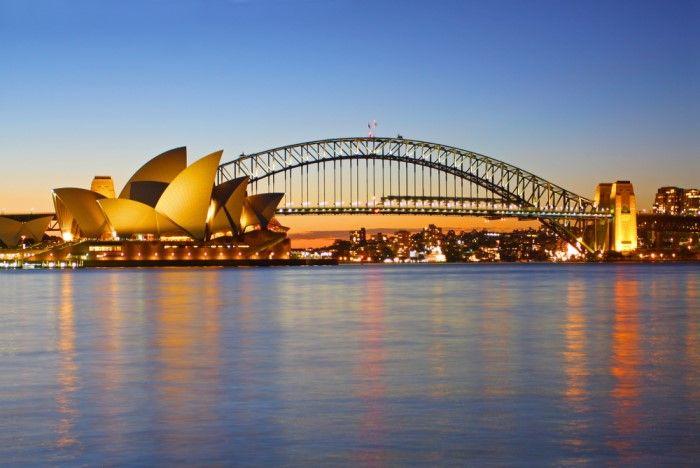 De Sydney Habor brug, waar vanaf meestal het Opera House wordt gefotografeerd, heeft als bijnaam 'kapstok'