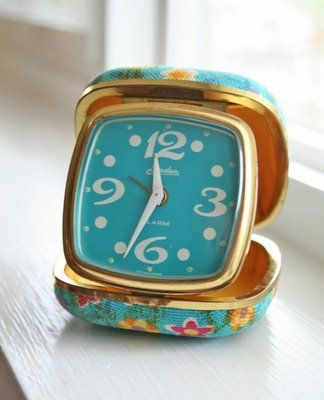 The Gilded Bee: {Thursday: Pretty Things/Vintage Clocks}