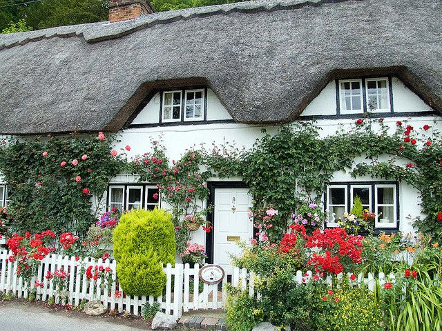 Thatched cottage, Village of Wherwell, near Andover, Hampshire, England, UK