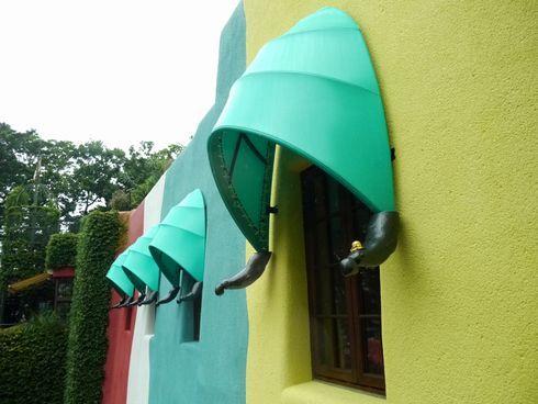 Twitter 猫 バス レーズンサンド ジブリの森美術館