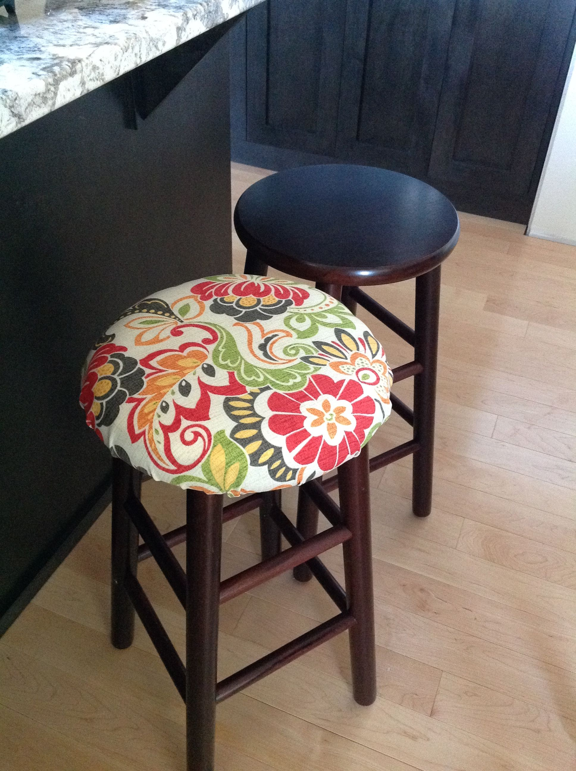 Diy No Sew Bar Stool Cover Just Added Fabric To My Simple Bold Face Bar Stools Used 12 Outdoor Fabric Bar Stool Covers Painted Bar Stools Kitchen Bar Stools
