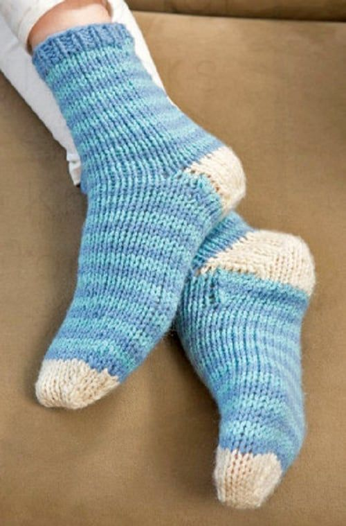 10 Simple Sock Knitting Patterns for Beginner Knitters ...
