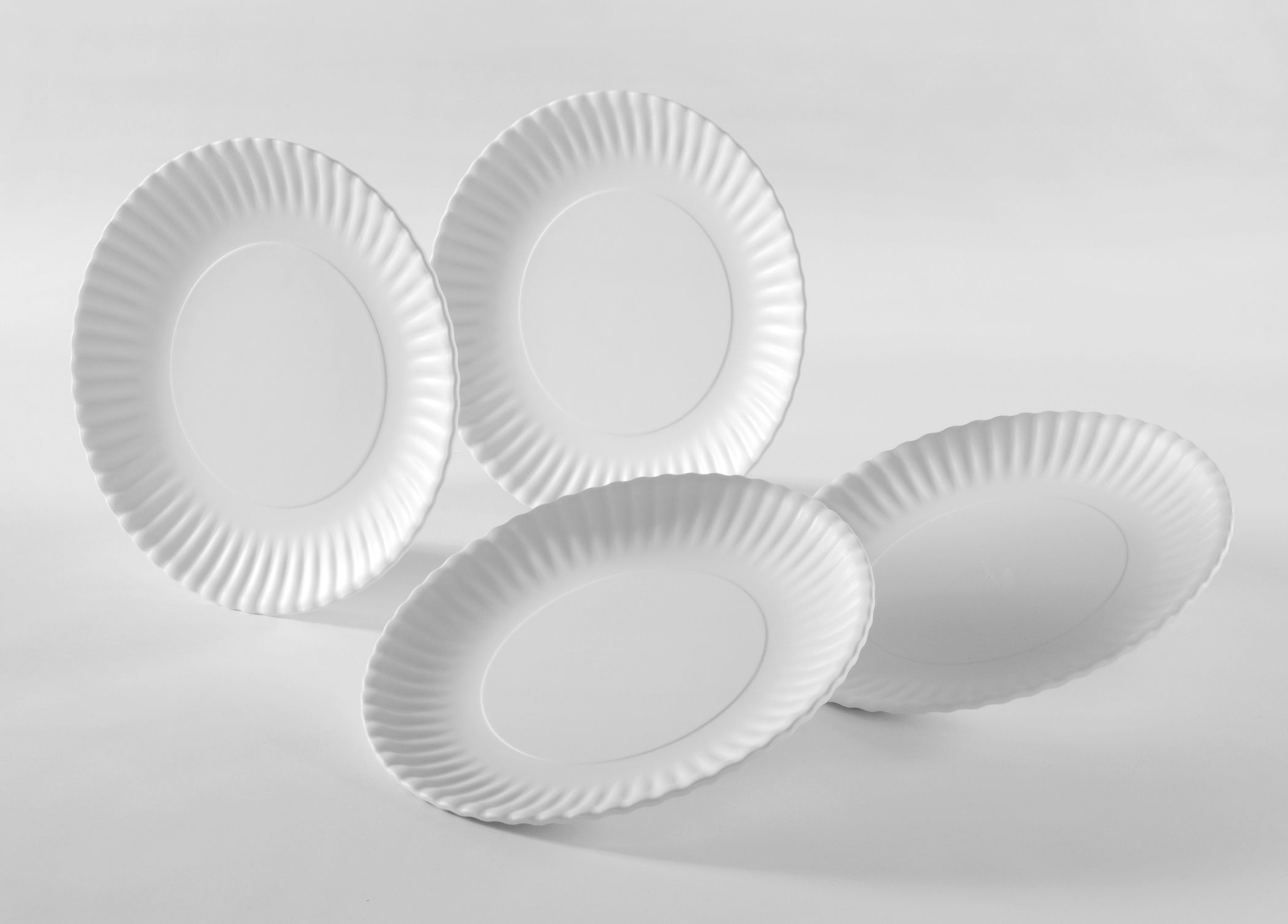 The Reusable Paper Plates Set takes an iconic disposable item - the paper plate - and remakes it with reusable dishwasher safe melamine. & Dress up your next picnic! Designer David Dewey takes an iconic ...
