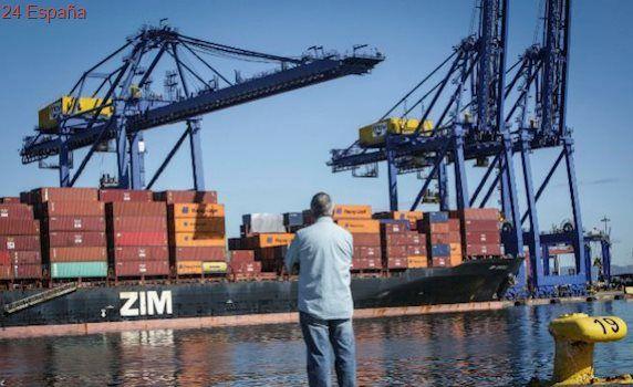 El Puerto teme el desvío de buques tras el repliegue de Maersk en Algeciras