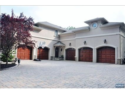 160 Midwood Rd Paramus Nj 07652 Builders Own This Property Combines Modern Elegance With Timeless Luxury Estate Homes Paneled Library Mahogany Paneling