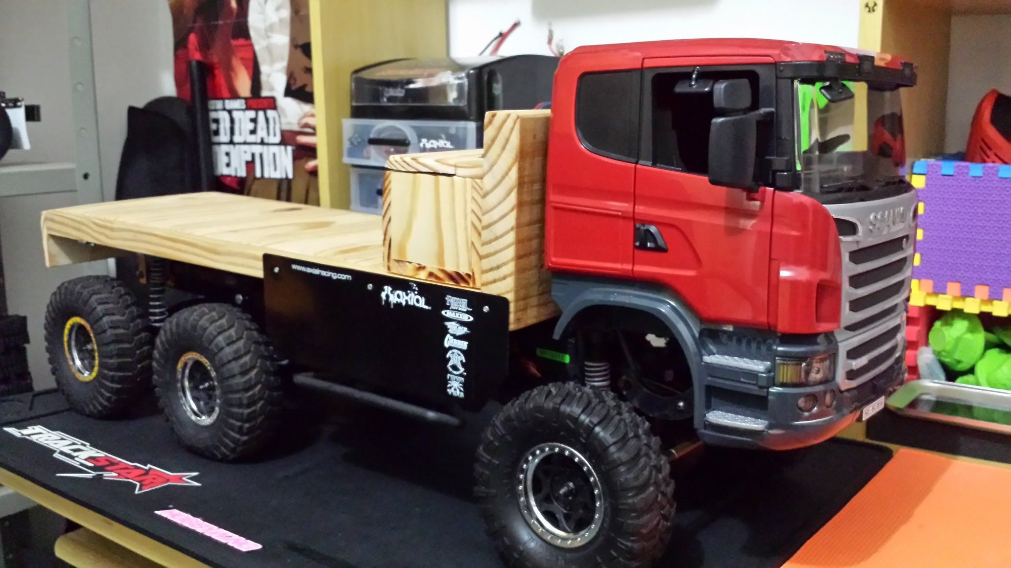 RC Axial SCX10 - 6x6 SCANIA R620 Truck Trial Extreme off