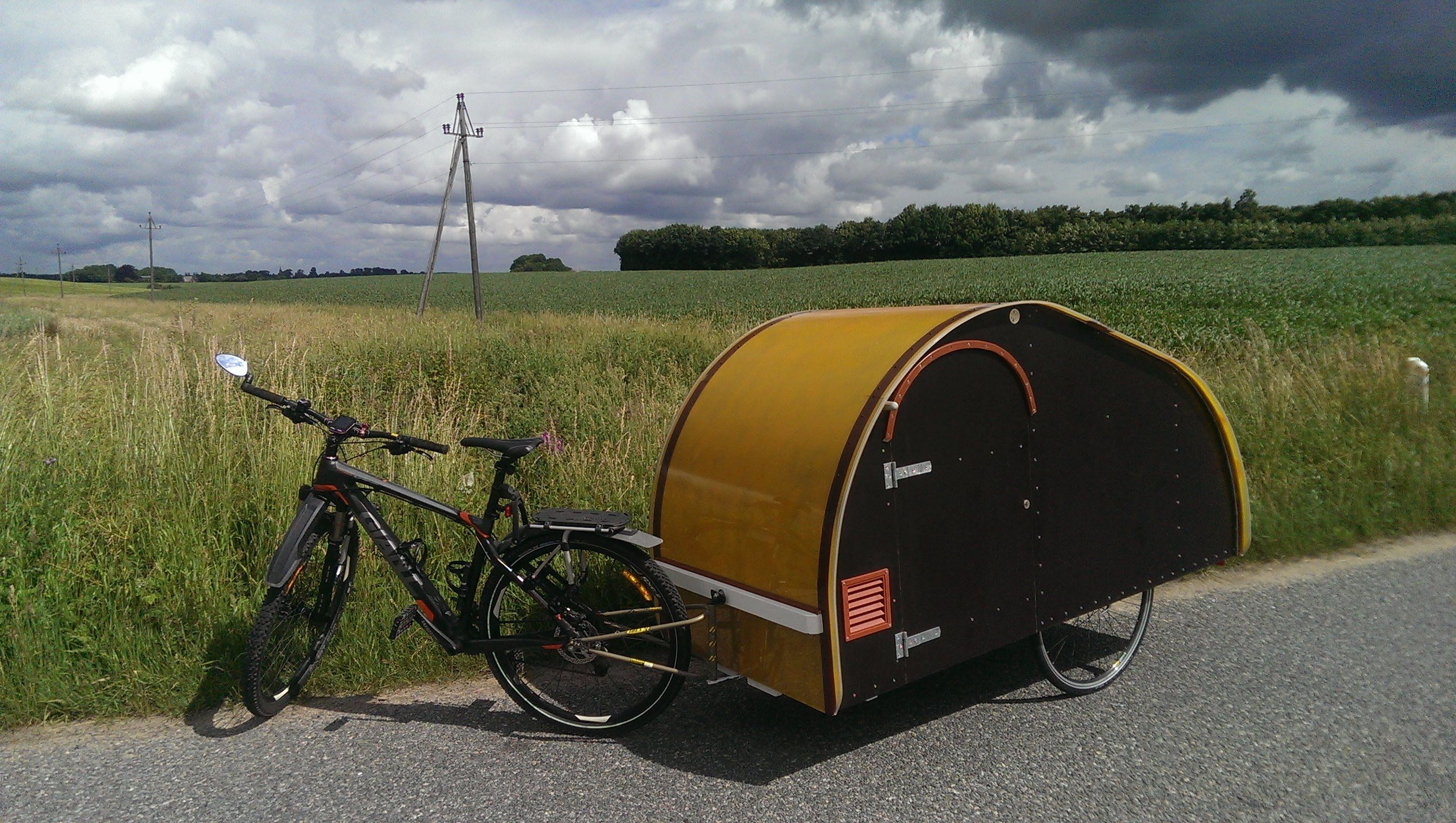 homemade teardrop bicycle micro camper trailer fahrrad. Black Bedroom Furniture Sets. Home Design Ideas