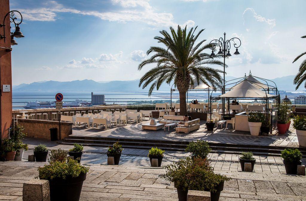 Курорт Кальяри на острове Сардиния | Курорты, Сардиния, Туризм