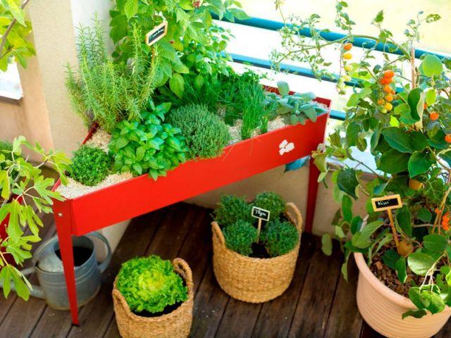 Petit balcon dix aménagements gain de place