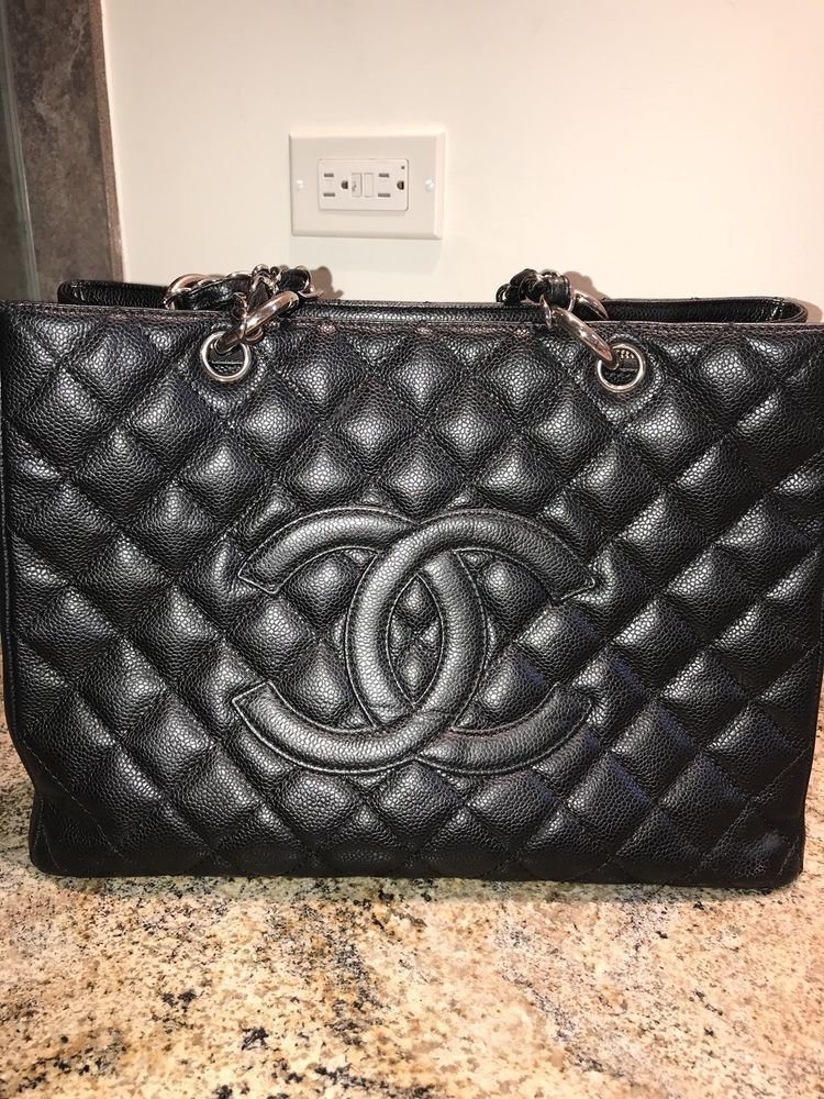 2ddf3019d938 Pre-Loved Authentic CHANEL GST Black Caviar SHW Silver Hardware Shoulder Bag