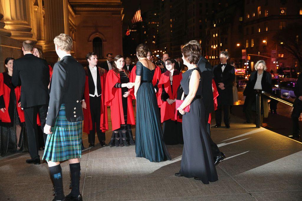 Le Duc et la Duchesse ont assisté au dîner de gala au Metropolitan muséum of art à New York, en l'honneur du 600e anniversaire de l'université de Saint-Andrews.