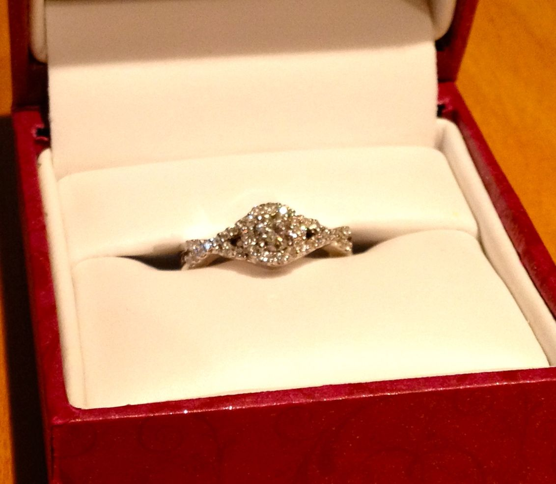 Engagement · Round Diamond Ring Helzberg