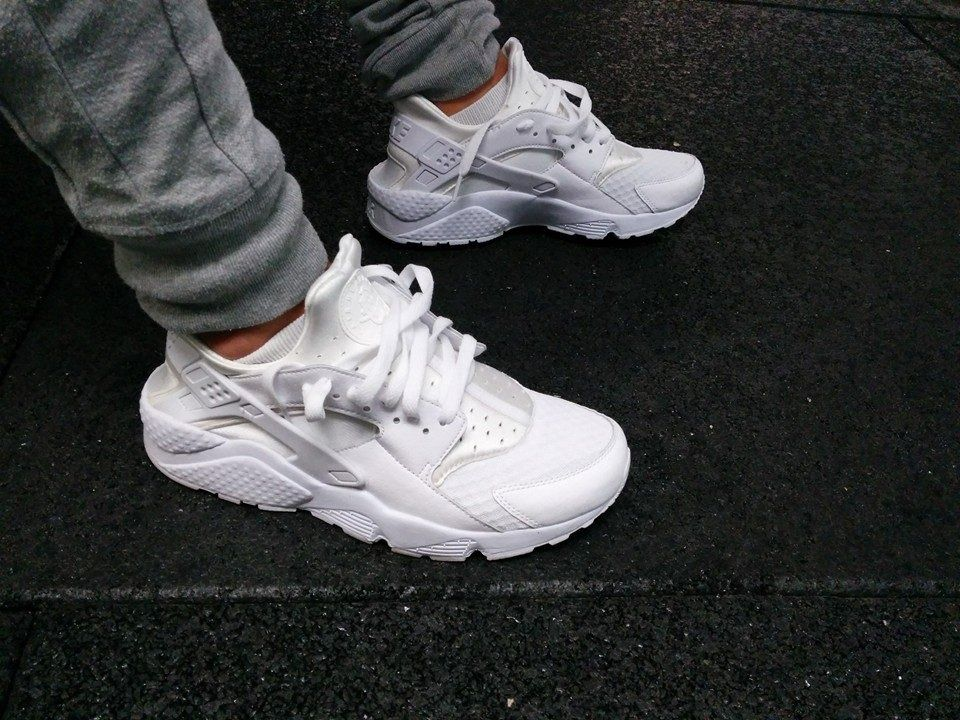097afebb1446 All White Nike Air Huarache
