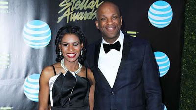 Ent360 NEWS: Donnie McClurkin Gospel singer is engaged!