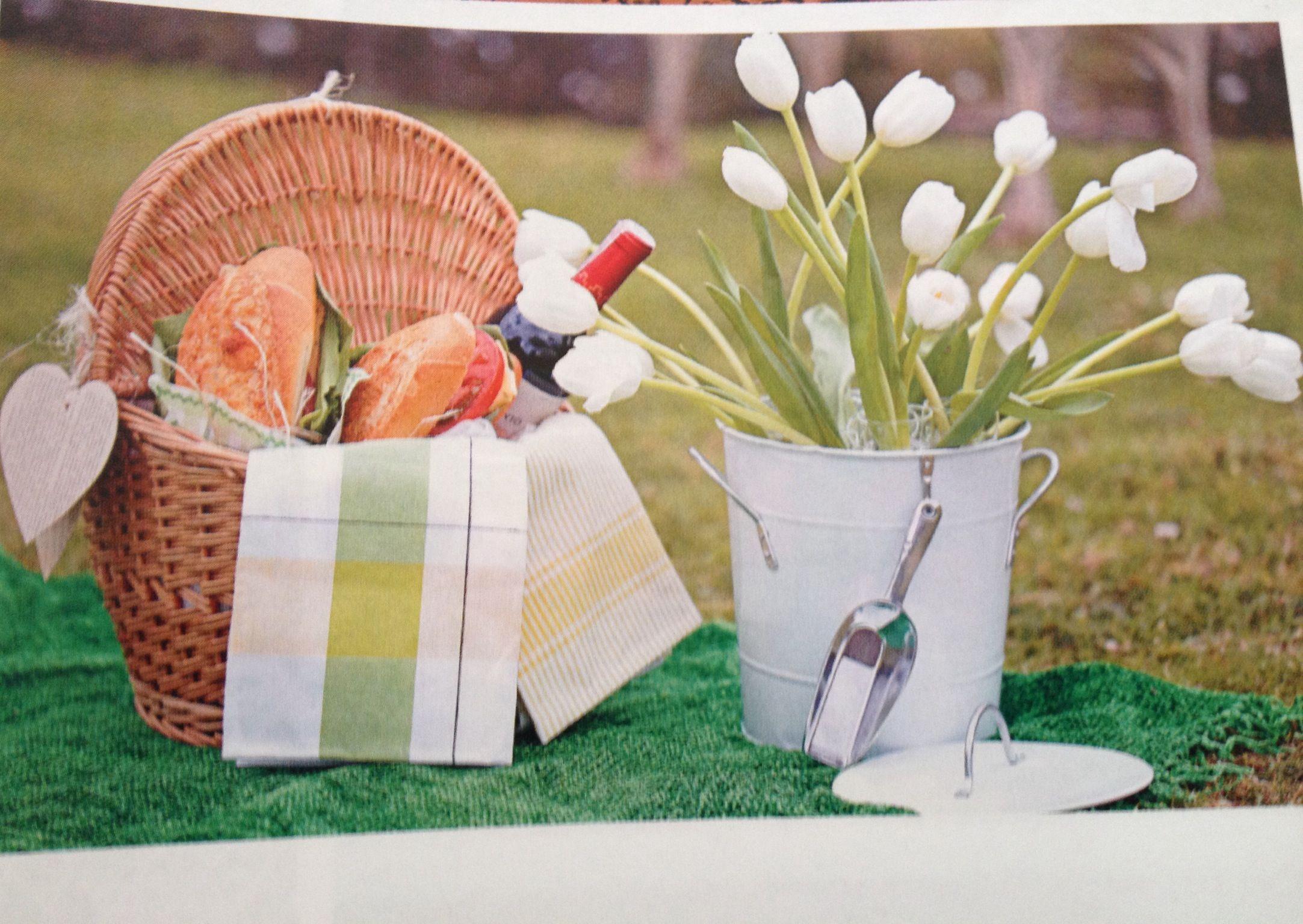 """""""Un Picnic con todas las de la Ley"""" por MY Group Eventos en la nueva Revista Fucsia Novias edición Noviembre 2013"""