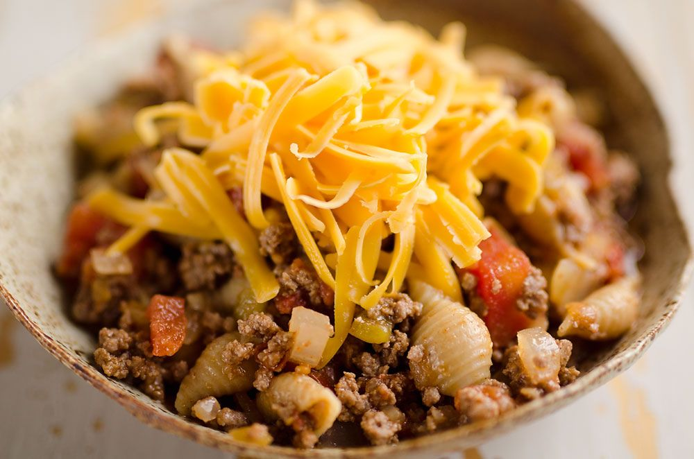 Pressure Cooker Light & Spicy Taco Shells are a quick and easy 30 minute recipe loaded with lean hamburger, taco seasoning and veggies for a healthy and family-friendly dinner!