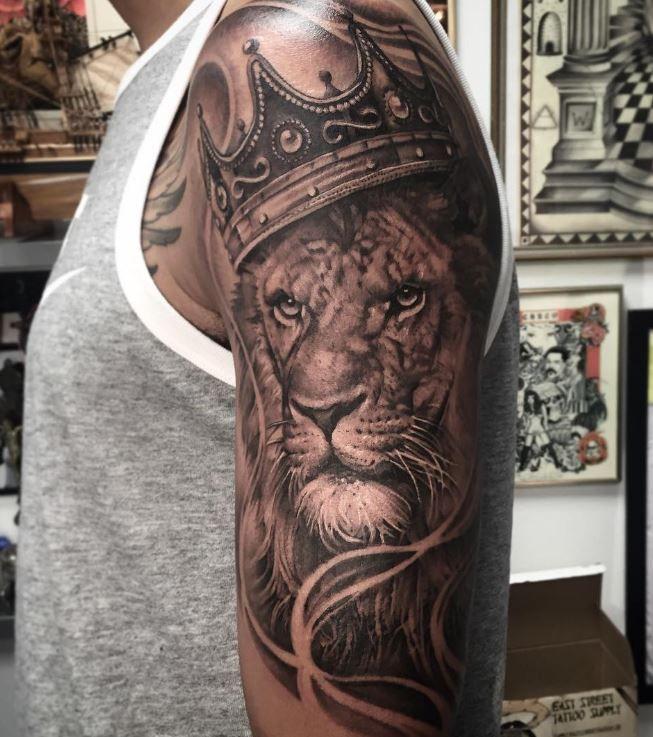 b918ddea8a2a5 The King of The Jungle Tattoo | Tattoos | Jungle tattoo, King ...